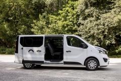 Opel Vivaro side